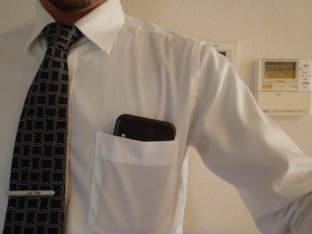 iPhoneXR胸ポケット