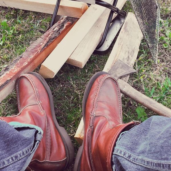 キャンプ 焚き火 靴